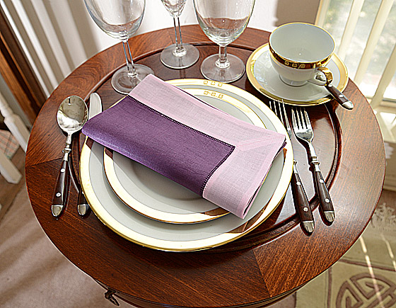 festive dinner napkin. purple with pink color