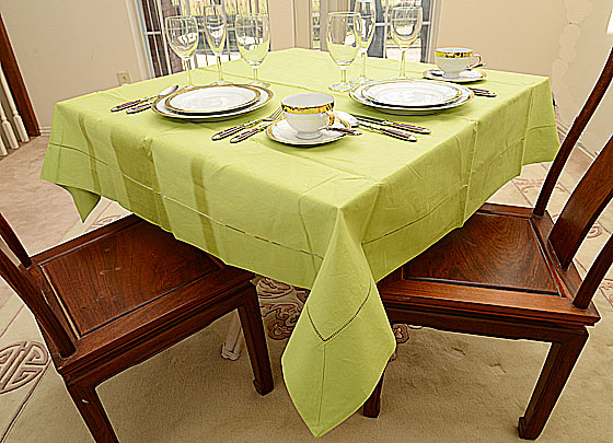 "Festive Macaw Green 54""square tablecloth"